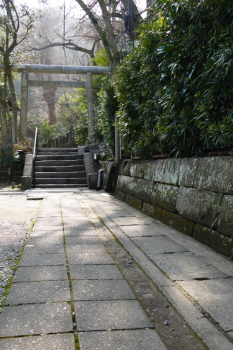 An alley from Goryo Jinja Shrine.