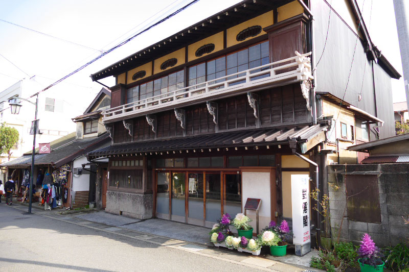 An old Ryokan building near Hasedera Temple.