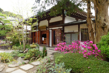 One of the building in the lower area of Hasedera Temple.